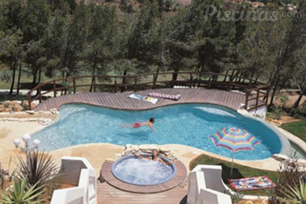 Qu forma debe tener la piscina de tu cliente for Formas para piscinas