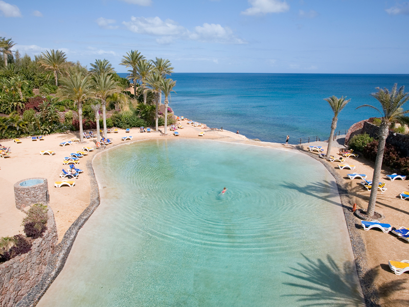 las mejores piscinas infinitas de hotel en las islas