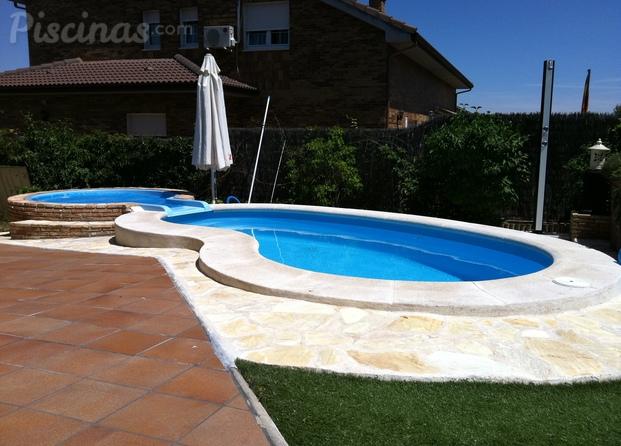 Im genes de piscinas brunete for Piscina cubierta navalcarnero