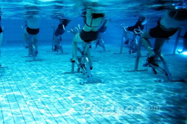 Bicicletas acu ticas c mo instalarla en tu piscina for Albercas de plastico para ninos