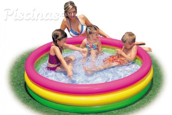 piscina hinchable pequena para terraza