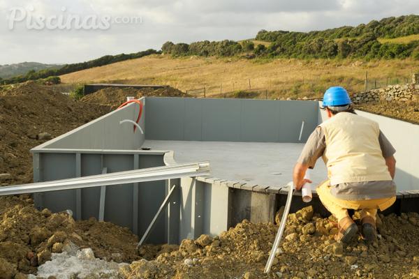 Sistemas de construcci n de piscinas for Construccion de piscinas temperadas