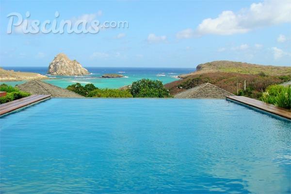 Las mejores piscinas infinitas de hotel en las islas for Hoteles en lloret de mar con piscina climatizada
