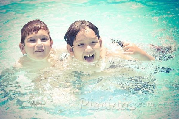 ¿Cuándo se hace necesaria la presencia de socorrista en la piscina de mi comunidad?