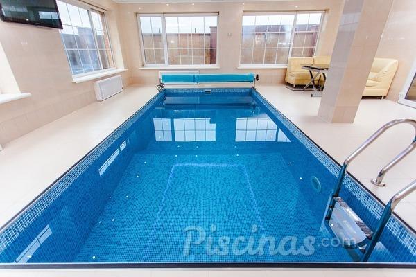 4 tips para el mantenimiento de las piscinas climatizadas