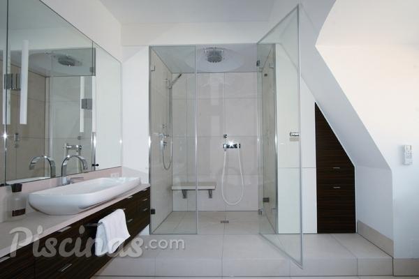 ¿Puedo convertir mi baño en un baño de vapor?