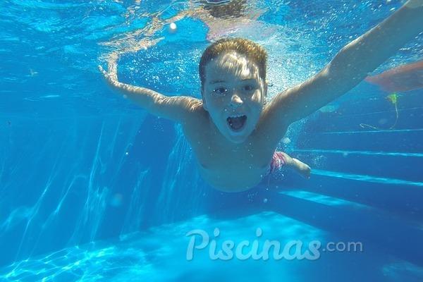 ¿Cuántos metros de fondo ha de tener mi piscina?