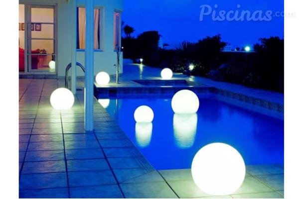 Led para piscinas una iluminaci n de bajo coste for Iluminacion led para piscinas