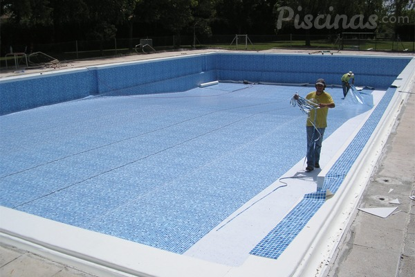 Rehabilitar una piscina es m s rentable que construir una for Piscina q es