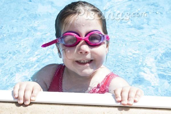 Cuidado con las otitis en las piscinas