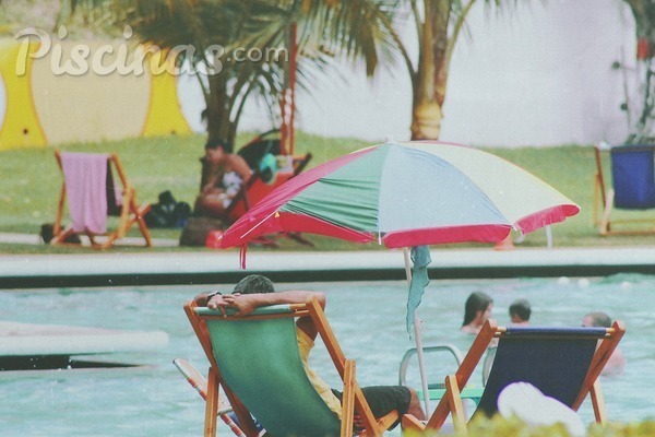 Cu nto cuesta abrir una piscina durante el verano for Cuanto vale una piscina