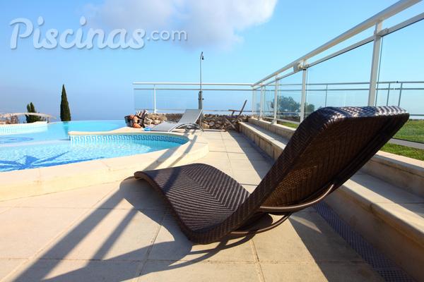 Cómo mantener una piscina en perfectas condiciones