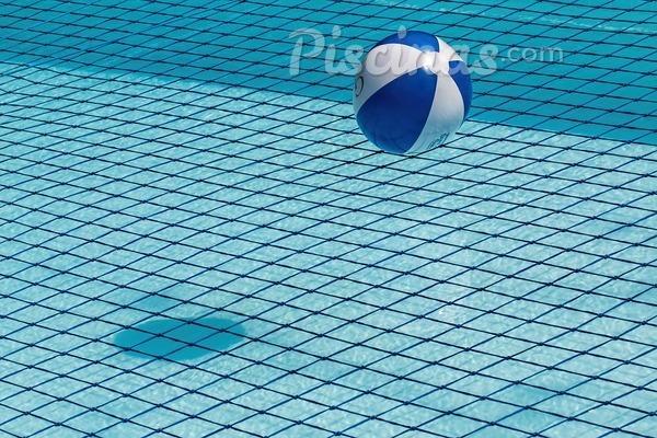 ¿Qué es una piscina con suelo móvil?