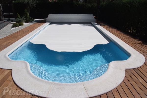 Limpieza autom tica de las cubiertas tipo persiana for Productos de limpieza de piscinas