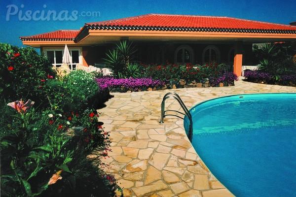 Los mejores materiales para el pavimento de tu sol rium - Piedra natural para piscinas ...