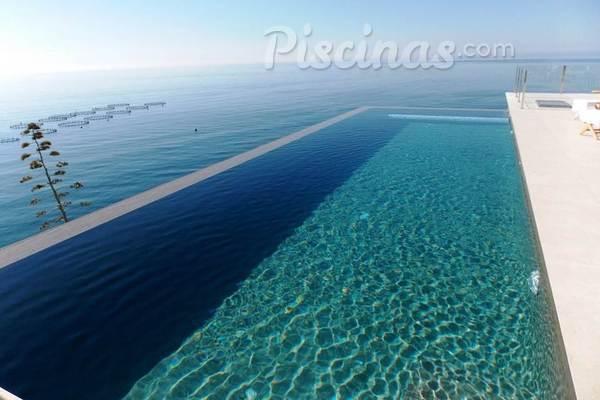 Sistema de depuraci n a ozono menos agresivo y menos caro for Sistema ultravioleta para piscinas