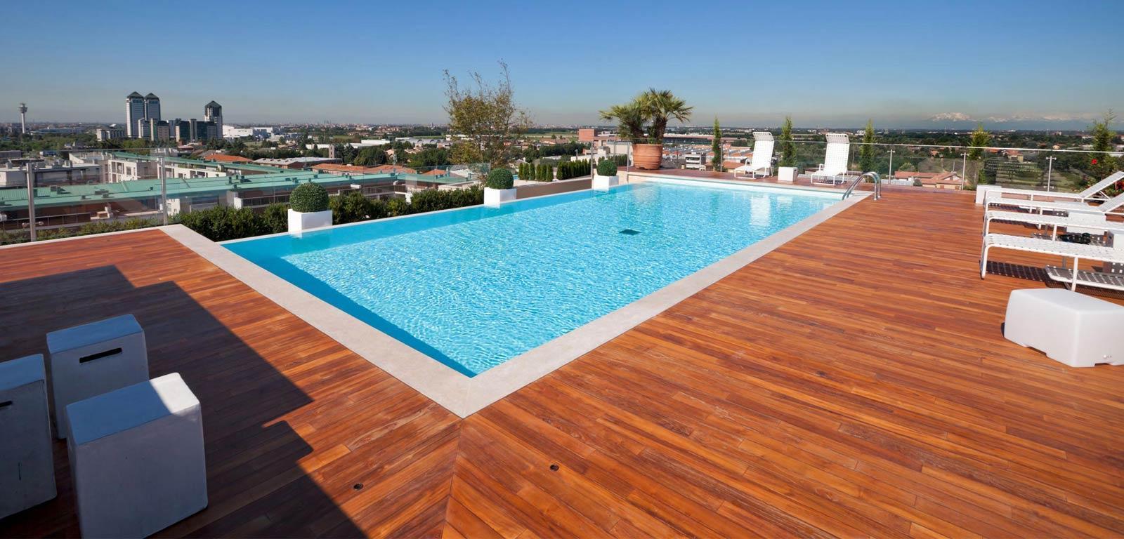 Soluciones y trucos para una piscina en la terraza for Piscinas desmontables para terrazas