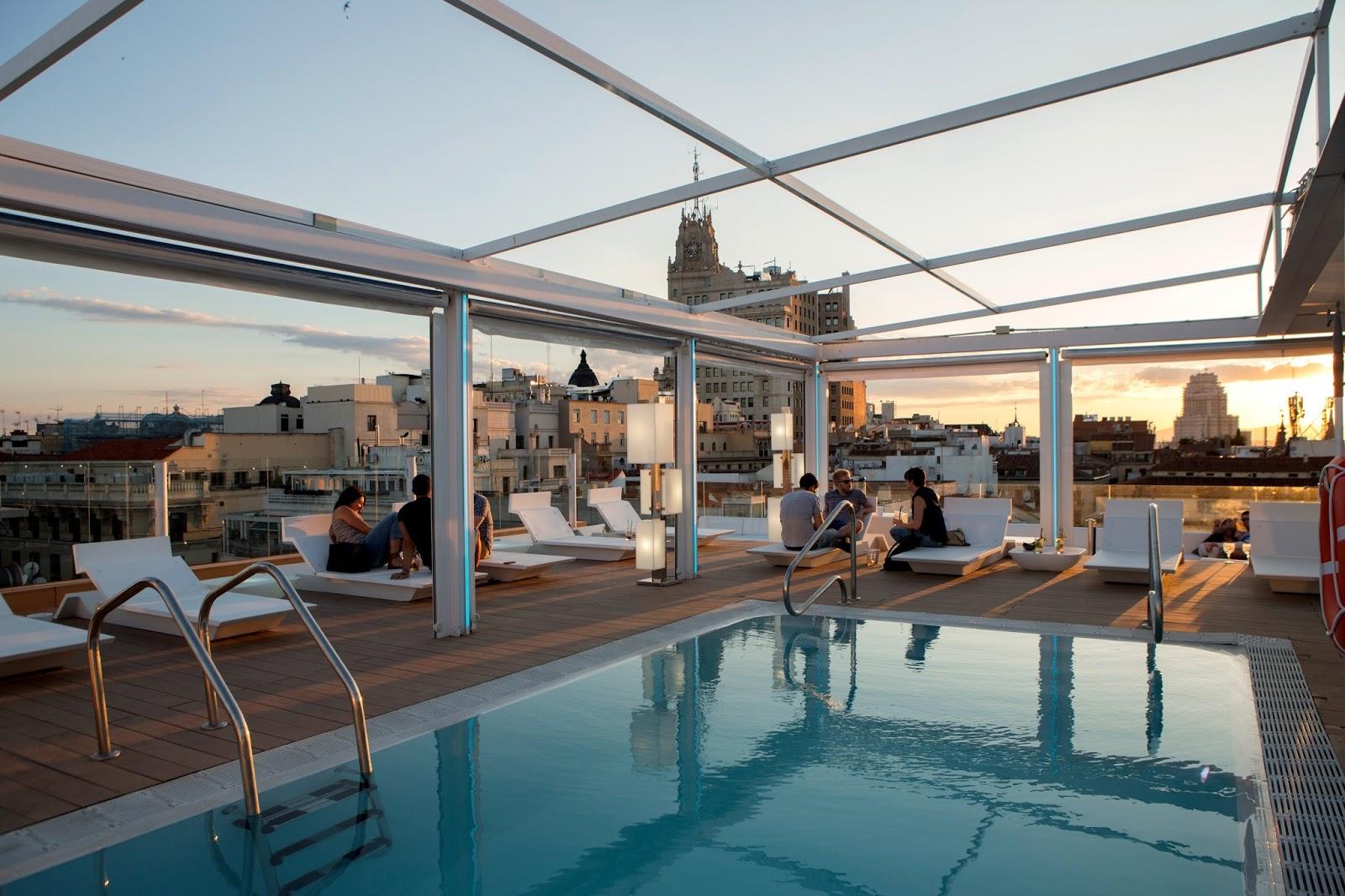 Las 10 mejores piscinas de hotel espa olas for Piscinas azoteas madrid
