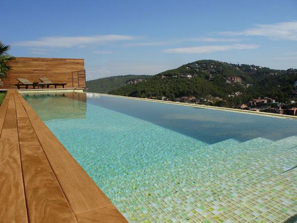 Tenemos las piscinas m s espectaculares - Gresite piscinas colores ...