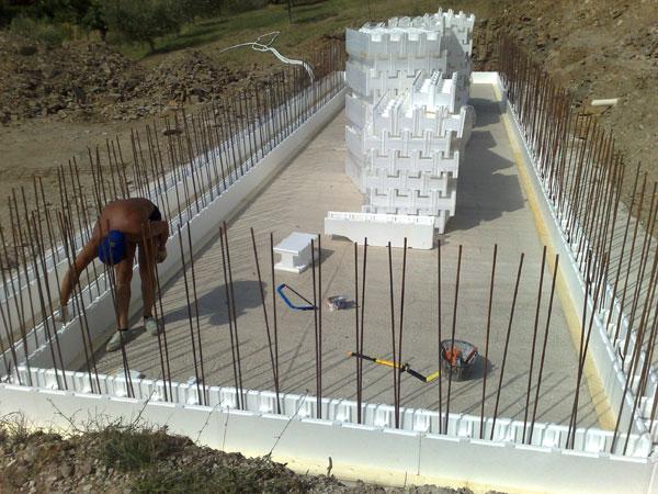 Los beneficios de las piscinas realizadas con eps for Como hacer una piscina con bloques