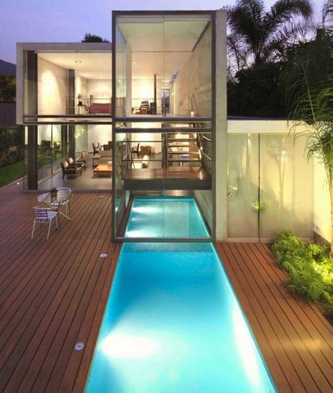 Las 10 piscinas cubiertas m s chic for Piscina con cubierta