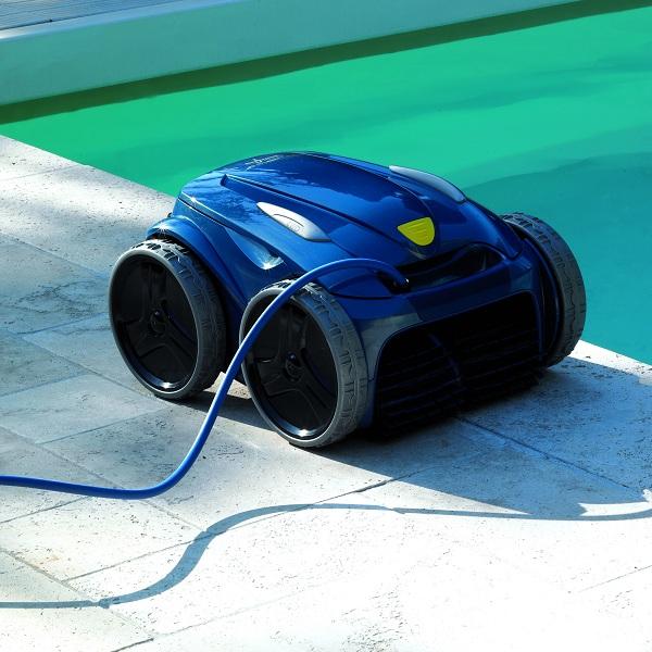 Qu limpiafondos es el m s adecuado para tu piscina for Limpiadores de piscinas