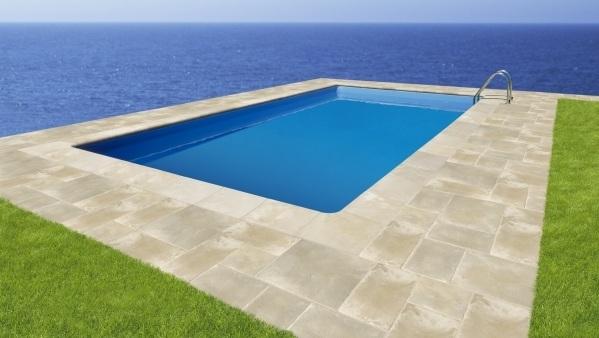 Los mejores materiales para el pavimento de tu sol rium for Piscinas sobre suelo