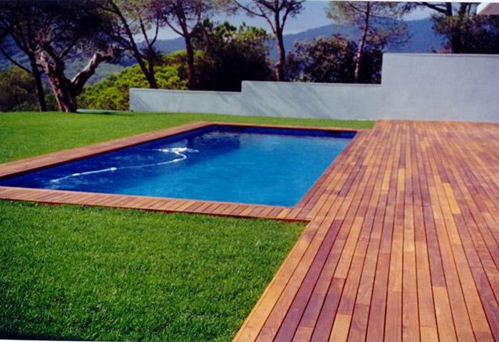 Los mejores materiales para el pavimento de tu sol rium for Materiales para piscinas