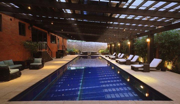 Siete piscinas privadas que te impresionar n for Hoteles en madrid con piscina cubierta