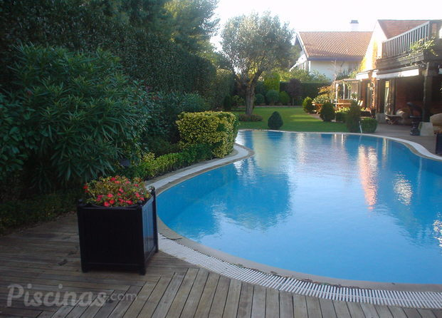 Mantenimiento de piscinas vizcaya for Piscinas leioa