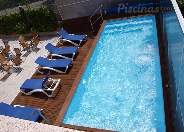 Piscinas de poli ster ourense for Fabricantes piscinas poliester