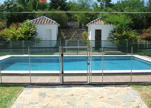 Im genes de vallas maxiclima for Vallas para piscinas desmontables
