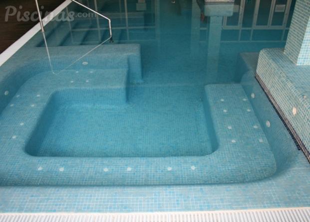 Im genes de piscinas tomelloso - Piscina con jacuzzi ...