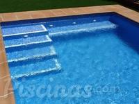 Sky piscinas for Escaleras para piscinas de obra