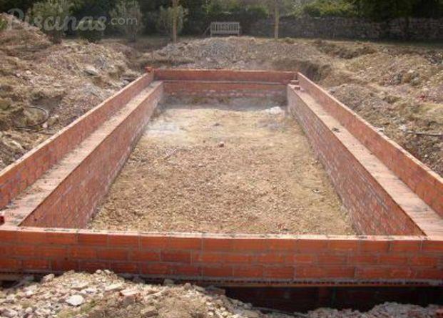 Im genes de piscines ricard for Piscinas malaga construccion