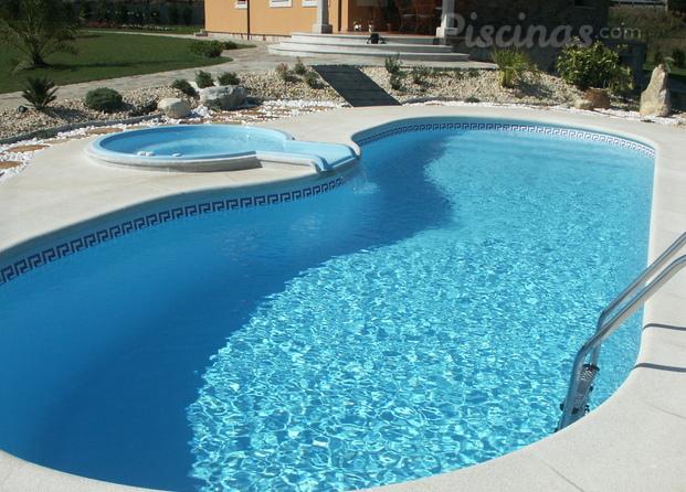Im genes de aguasport for Multiforma piscinas