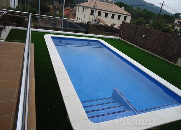 Preview for Piscina 8x4 cuantos litros