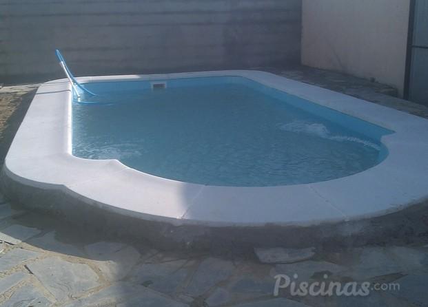 Accesorios de piscinas c diz for Piscina de cadiz
