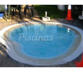 Cat logo de piscinas fibra for Valor piscina de fibra