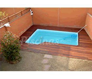 Piscinas de poli ster for Disenos de piscinas para casas pequenas