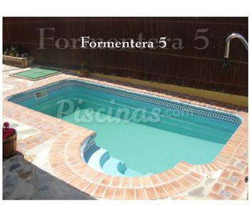 Piscinas de poli ster c ceres - Precio piscina poliester ...
